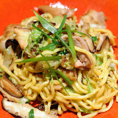 Chicken Lo Mein with Ginger Mushrooms