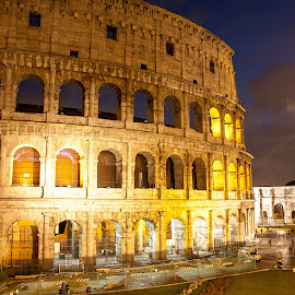 Colosseum nught view by Nicolin Vladimir - Buildings & Architecture Statues & Monuments ( roma, colosseum, colosseum rome, night view, rome )
