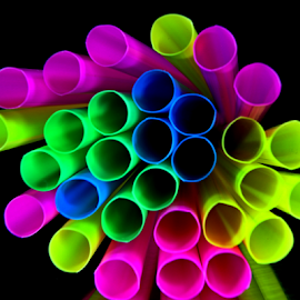 by Dipali S - Artistic Objects Other Objects ( arrangement, color, artistic, multi, straws )