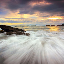 V-Motion by Sunan Tara - Landscapes Waterscapes ( water, bali, cemagi, waterscape, waves, sunset, beach, seascape, mengening, landscape )