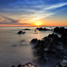 Freezing by Nyoman Sundra - Landscapes Sunsets & Sunrises ( arasaki, japan, sunset, kanagawa, landscape )