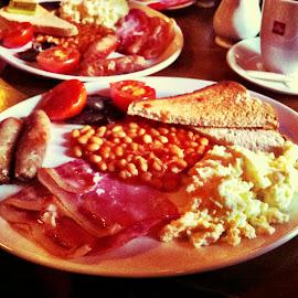 Full English by Dajana Petković - Food & Drink Plated Food ( sausage, eggs, beans, breakfast, full english breakfast, plate, bacon, toast )