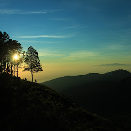 Sunrise Gari Pergasingan Hill by Saputra Bakti - Landscapes Mountains & Hills ( #rinjani #lombok #indonesia, #sembalun )