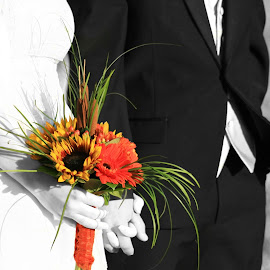 Bouquet by Shelly Priest - Wedding Details ( orange, spot color, bouquet, black & white, gerber daisy, sunflower, bride and groom,  )
