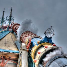 by Ian Groves - City,  Street & Park  Amusement Parks