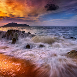 Rocks which covered the waves by Dany Fachry - Landscapes Waterscapes ( indonesia, waves, beach, singkawang, kalimantan, waterscapes, landscapes, rocks )