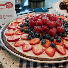 Brownies 'n Berries Dessert Pizza