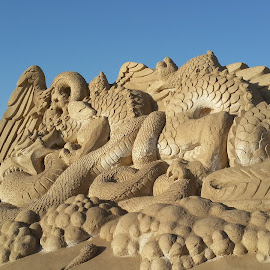 Sand sculpture by Christine Porras Toribio - News & Events Entertainment ( #remalsandsculpture #remal #sandsculpture #dayview #landscape,  )