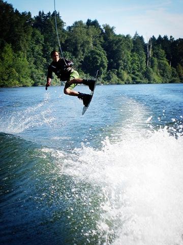 [kawika wakeboarding[8].jpg]