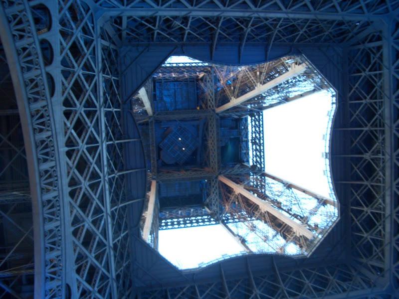 Sous la Tour