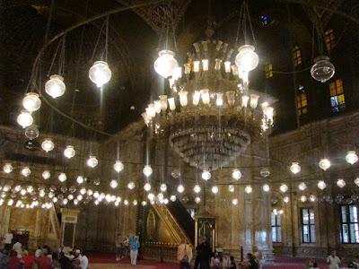 モハメド・アリ・モスクの中
