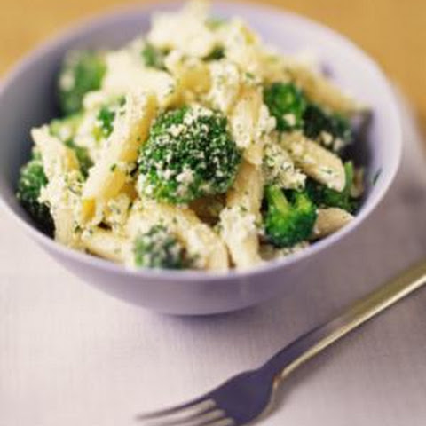 Chicken with Broccoli and Pasta