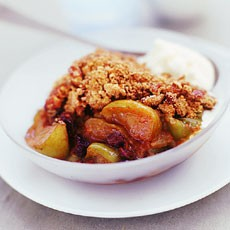 Spiced Apple and Pecan Crumble with Mascarpone Vanilla Cream