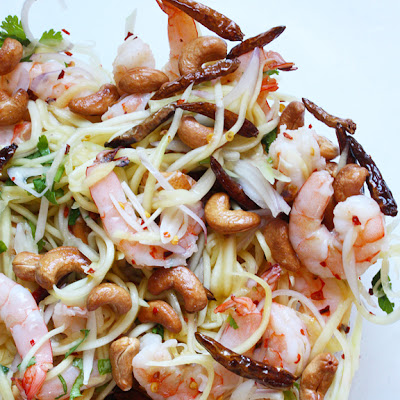 Thai Green Mango Salad with Grilled Shrimp and Cashews (ยำมะม่วงกุ้งย่าง)