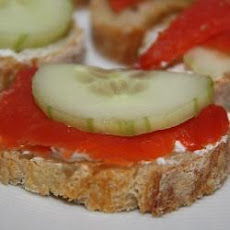 Smoked Salmon and Cucumber Tartines