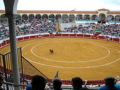 La plaza de toros de Pozoblanco en un festejo de la feria 2007 de Septiembre. Foto: Pozoblanco News. Emilio Guijo