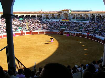 'El Coso de los Llanos, la plaza de toros de Pozoblanco, durante un festejo taurino de su feria de Septiembre del 2007. Foto: Pozoblanco News (www.pozoblanconews.blogspot.com)