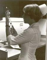 nurse_filling_syringe