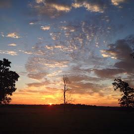 Kentucky Sunrise by Melanie Ayers Wells-Photography - Instagram & Mobile iPhone ( sunrise, melaniewellsphotography, kentucky )