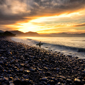 Good Morning Surfer by Tom'z Stone - Landscapes Beaches