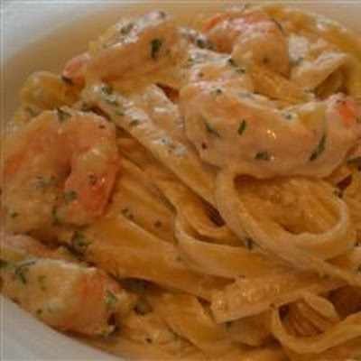 Pasta with Prawns and Pink Sauce