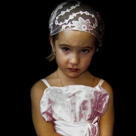 bridesmaid by Moltm Mol - Babies & Children Child Portraits