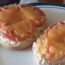 Speedy Bagel Tuna Melt