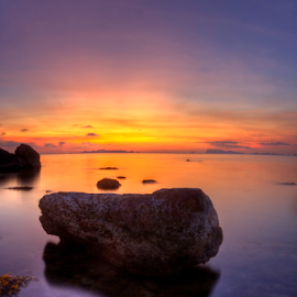 Floating rock by Richard ten Brinke - Landscapes Waterscapes