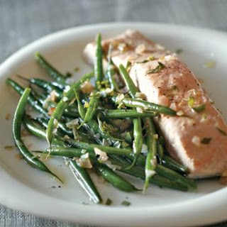 Braised Salmon with Green Beans