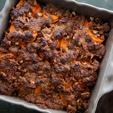 Maple-Glazed Yams with Pecan Topping
