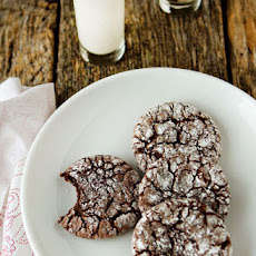 Simple Chocolate Crinkle Cookies