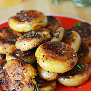 Crispy-Outside Creamy-Inside Garlic Herb Potatoes