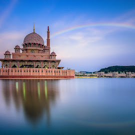 Putra Mosque in Wonder by Jon Khoo - Buildings & Architecture Places of Worship