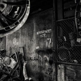 HALLO @METAL MARKET ,NJOYO MADIUN by Fandy Setyawan - People Street & Candids
