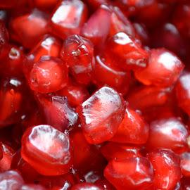 Ravishing red pomegranate seeds by Kaushik Mondal - Novices Only Objects & Still Life ( fruit, pomegranate seeds, food, healthy, ravishing red )