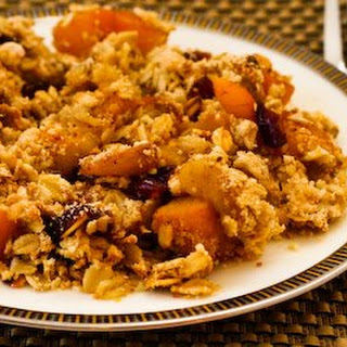 Low-Sugar Pumpkin and Apple Crumble with Cranberries