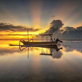 Ray by I Made  Sukarnawan - Transportation Boats