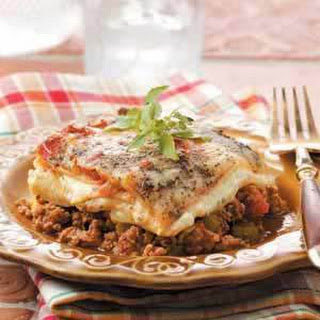 Beef 'n' Sausage Lasagna (ground beef and Italian sausage)