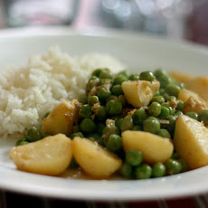 Dinner Tonight: Potato and Pea Curry with Yogurt, Cumin, and Ginger