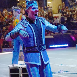 Circus Clown Candid Moment by Stephen Beatty - News & Events Entertainment