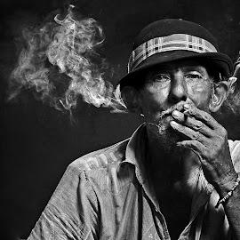 Petrus Sumedi by Arnasphoto Sorowako - People Portraits of Men (  )
