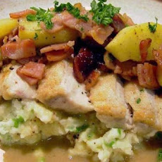 Chicken With Apple, Cranberry and Bacon