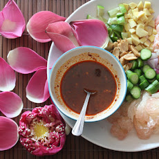 Thai Pomelo and Shrimp Salad (Miang Som O)