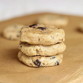 Raw Chocolate Chip Cookies with Homemade Chocolate Chips