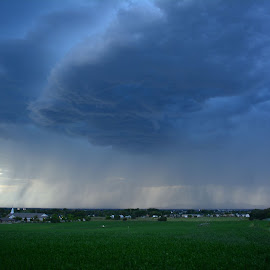 Storm coming in tonight. by John Dodson - Landscapes Weather