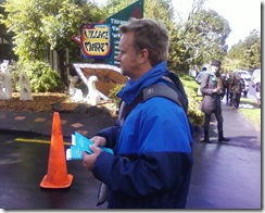 Peter_Osborne_at_Titirangi_Craft_Market