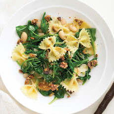 Pasta with Arugula, White Beans, and Walnuts