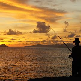 Menemani para pemancing by Andi Soegiri - Landscapes Sunsets & Sunrises