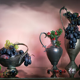 Struguri ,,infumurati,, by Neli Dan - Artistic Objects Still Life