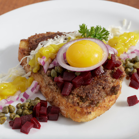 "Fried Beef Tartare or ""Parisian Steak"" - Pariserbøf"